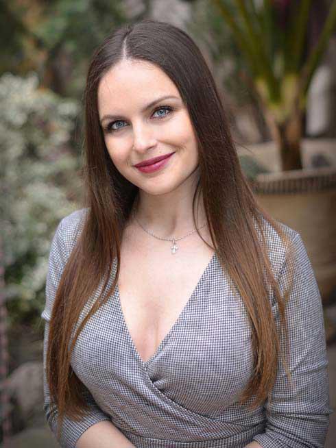 Alina | Femme ukrainienne | agence matrimoniale | Au Cœur de l'Est
