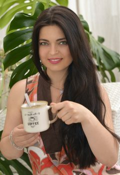 Anna | Dating Ukrainian Woman | marriage agency | In the heart of the east