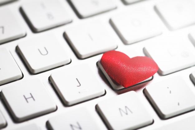Comment reconnaitre les agences matrimoniales et les sites de rencontres fiables