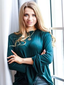 Meet Oksana, photo of beautiful mature Russian woman