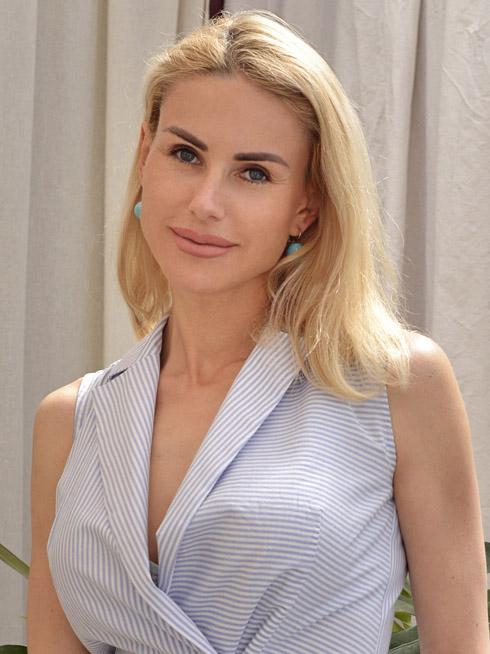 Yulia   Femme ukrainienne   agence matrimoniale   Au Cœur de l'Est
