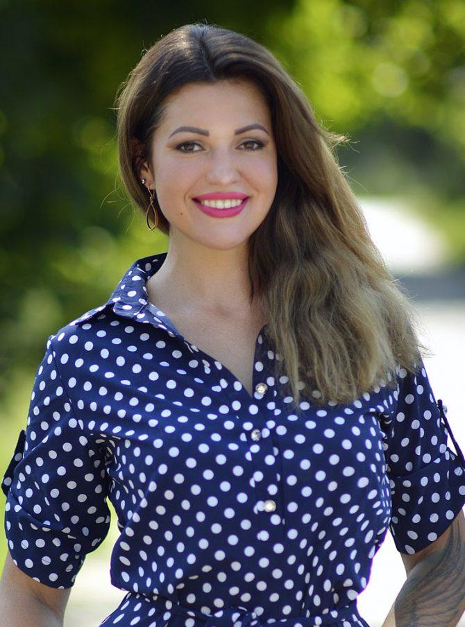 Elvira | Femme ukrainienne | agence matrimoniale | Au Cœur de l'Est