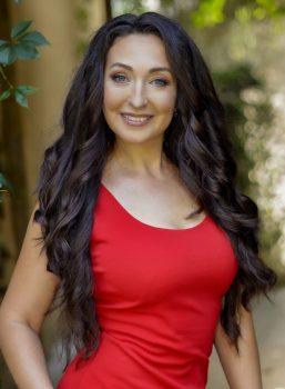 Yuliya | Femme ukrainienne | agence matrimoniale | Au Cœur de l'Est