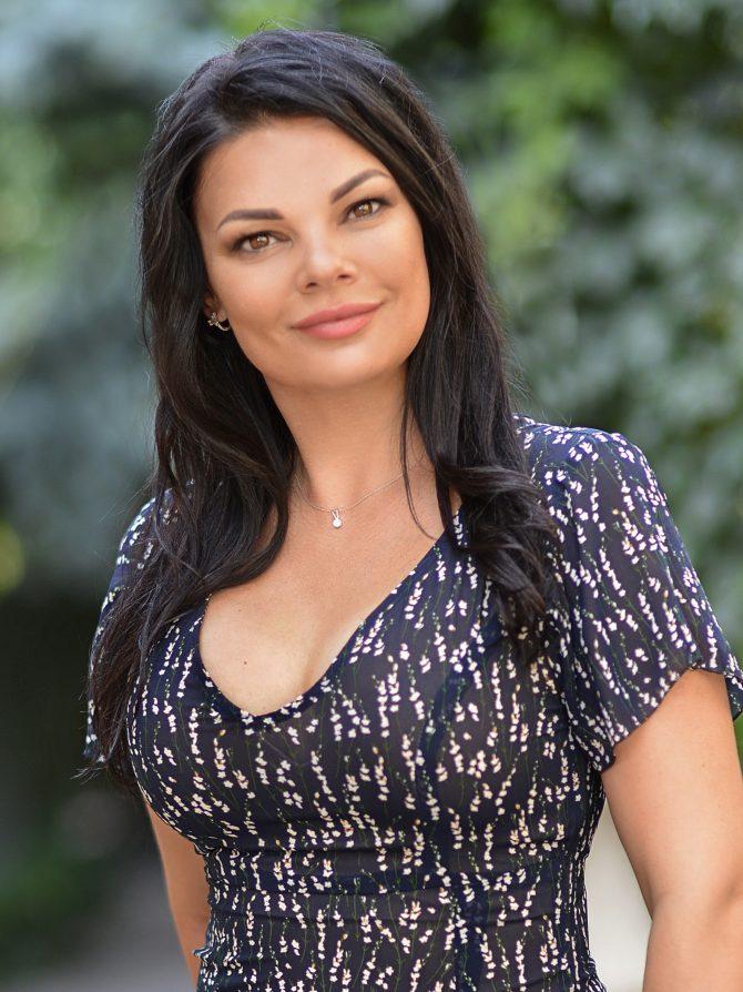 Viktoriya | Femme ukrainienne | agence matrimoniale | Au Cœur de l'Est