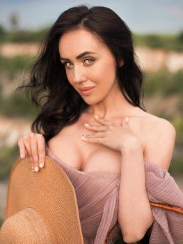 Inna   Femme ukrainienne   agence matrimoniale   Au Cœur de l'Est